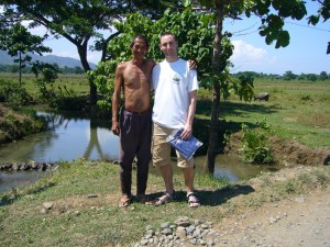 a horrible dirty criminal....and a Filipino prisoner!!