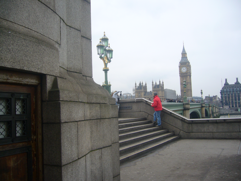 London Filming Locations James Bond Special Tokyo Fox 東京狐