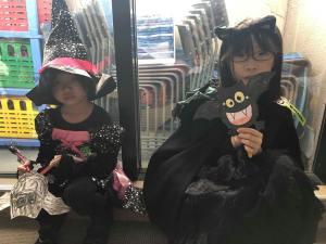 A Spook-tacular Halloween (2018)   Tokyo Fox (東京狐)